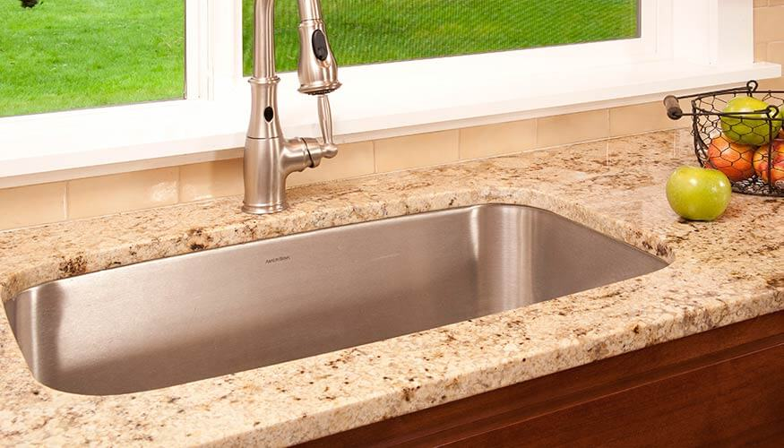 Country Kitchen Granite Countertops - Solid Rock CreationsSolid